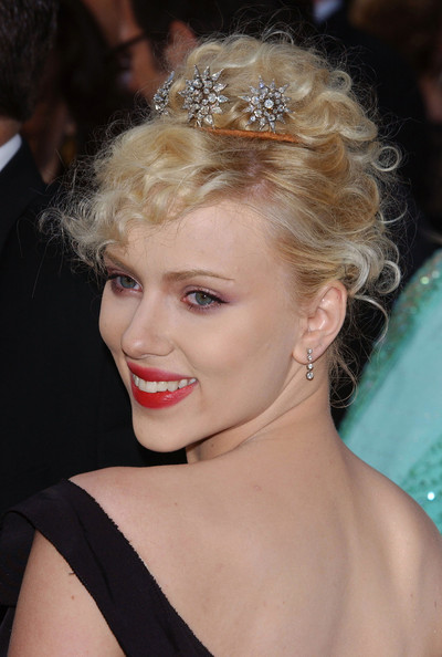 Scarlett Johansson Pinned Up Ringlets