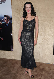 Debi looked lovely in this lacy black dress. Her slim figure is beautifully accentuated.