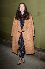 Liv Tyler was gangsta-chic in a bulky leopard-print coat during the Stella McCartney presentation.
