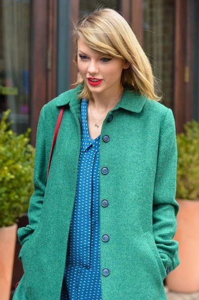 More Pics of Taylor Swift Wool Coat (1 of 8) - Taylor Swift Lookbook - StyleBistro