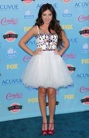 Ryan Newman went for a princess look with this jewel-encrusted white puff dress.