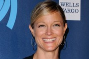 Teri Polo Bobby Pinned updo