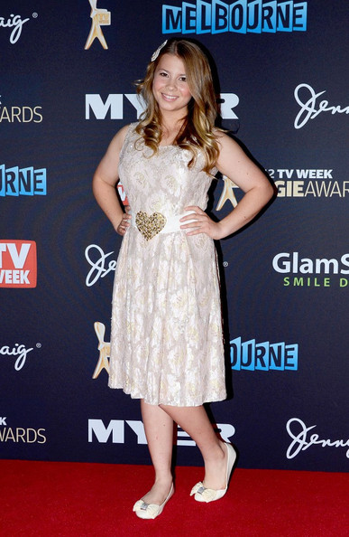 More Pics of Bindi Irwin Cocktail Dress (1 of 3) - Bindi Irwin Lookbook - StyleBistro
