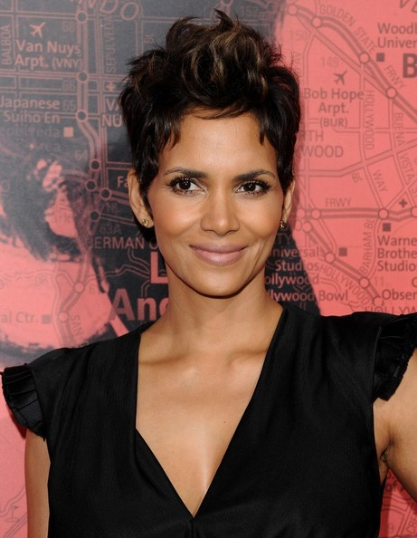 More Pics of Halle Berry Pixie (24 of 37) - Short Hairstyles ...