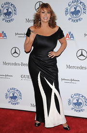 Raquel Welch opted for a two-toned off-the-shoulder dress for the 16th Carousel of Hope.