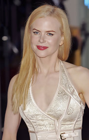 Nicole Kidman opted for a sleek straight cut at the UK premiere of 'Golden Compass.'