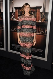 Vera Farmiga looked dramatic at the premiere of 'The Judge' in an Elie Saab column dress featuring different-colored lace panels.