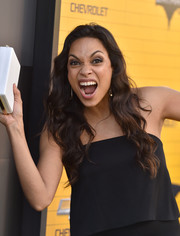 Rosario Dawson showed off a lovely wavy hairstyle at the premiere of 'The Lego Batman Movie.'
