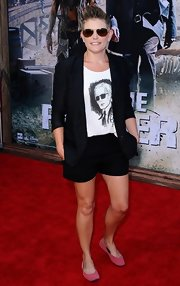 Natalie Maines contrasted her androgynous outfit with cute pink ballet flats when she attended the 'Lone Ranger' premiere.