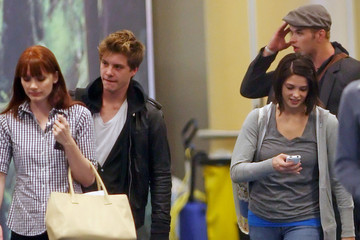 Ashley Greene Xavier Samuel 'Twlight' Cast Members at Vancouver International Airport