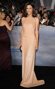 Julia was positively stunning in this bead-saturated nude backless gown at the 'Breaking Dawn - Part 2' premiere.