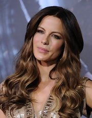 Kate Beckinsale wore her ombre-tinted locks in long loose waves at the 'Underworld: Awakening' premiere.