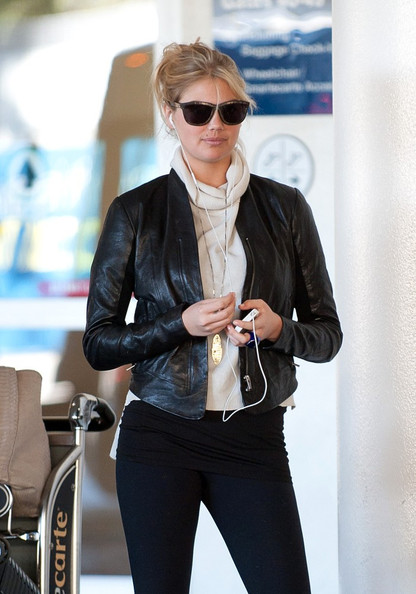 More Pics of Kate Upton Leather Jacket (1 of 12) - Kate Upton Lookbook - StyleBistro