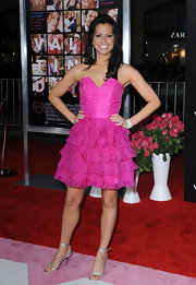 Melissa Rycroft looked pretty in pink at the 'Valentine's Day' World Premiere in a hot pink strapless dress with a sweatheart bodice and tiered ruffled skirt.