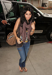 A purple scarf added some color to Vanessa's casual look.