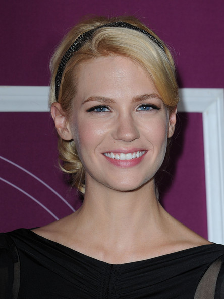 More Pics of January Jones Elastic Belt (1 of 10) - January Jones Lookbook - StyleBistro