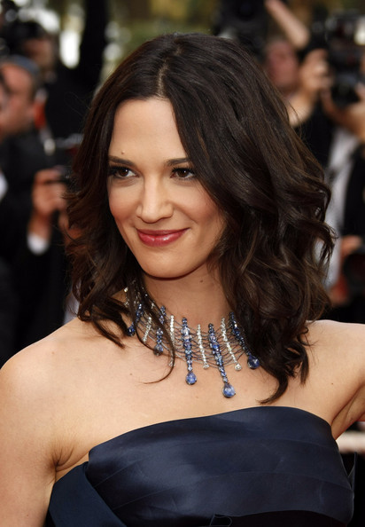 Asia Argento's medium length waves complemented her whole look at a Cannes screening.