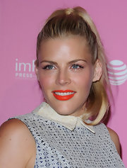 Busy Phillips wore her hair in a simple wrapped ponytail while attening the 'Us Weekly' Hot Hollywood Style event.