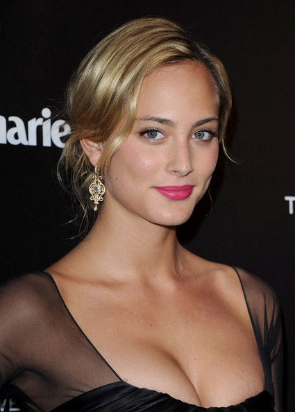 More Pics of Nora Arnezeder Loose Bun (1 of 9) - Nora Arnezeder Lookbook - StyleBistro