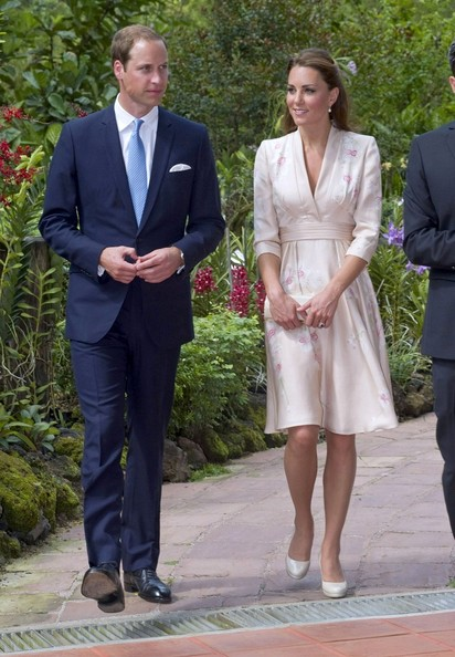 More Pics of Kate Middleton Half Up Half Down (1 of 25) - Kate Middleton Lookbook - StyleBistro