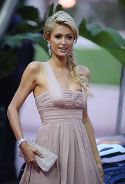 It's a wonder why Paris Hilton was at the World Music Awards, but regardless she carried a cute gemstone encrusted clutch.
