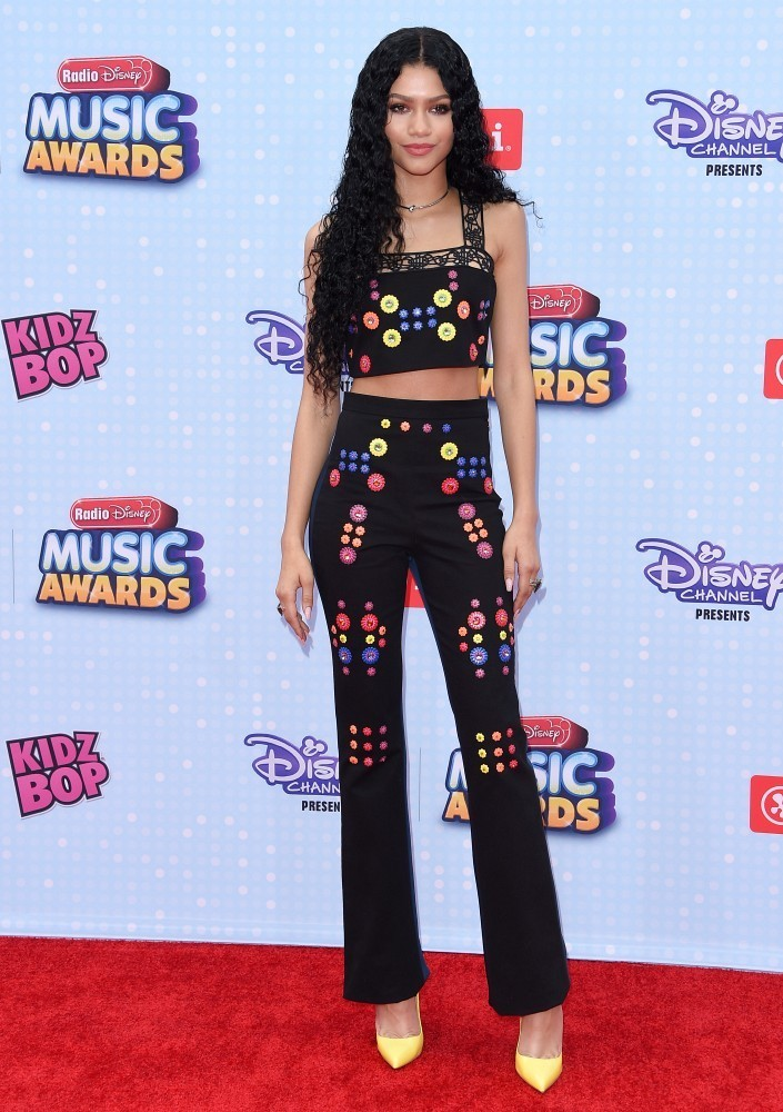 Zendaya Coleman 39 S Best Red Carpet Looks Style Crush Livingly