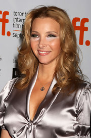It's a good thing Lisa Kudrow was wearing a gorgeous curly 'do. It almost took the attention off the makeup mishap.
