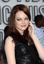 Emma Stone showed off her sultry smoky eyes while walking the red carpet at the MTV Video Music Awards.