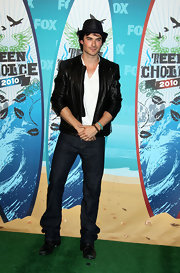 Ian showed off his cool flair while hitting the Teen Choice Awards in a leather jacket.