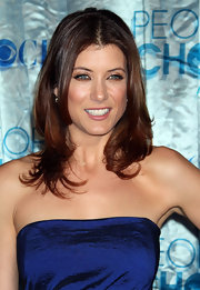Kate Walsh attended the People's Choice Awards sporting center part curls.