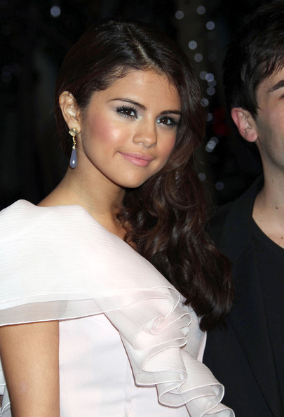 Selena+Gomez in The 2011 People's Choice Awards - Arrivals