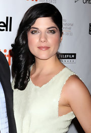 Selma Blair attended the 'Dark Horse' premiere with some spectacular smoky eyes. To recreate her look, stick with shimmery, metallic shades and apply liberally along upper and lower lash lines, smudging slightly and finishing with mascara.