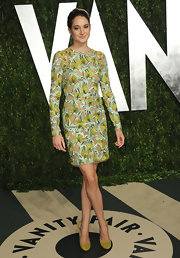 Shailene Woodley accessorized her printed frock with saffron pumps.