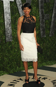 Regina King wore this black-and-white beaded cocktail dress to the Vanity Fair Oscar party.