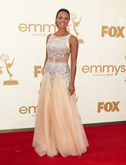 Eva la Rue looked like a fairy tale princess at the 2011 Emmys in a stunning gown with a bejeweled bodice and peekaboo detailing.
