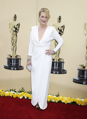 To top off her winter white look, Meryl added a 1920's diamond and onyx ring in platinum.