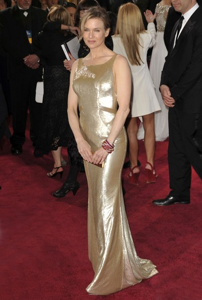 Renee Zellweger sparkled like an Oscar statue in a custom gold gown at the 2013 Oscars.