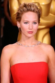 Everyone's favorite girl-next-door Jennifer Lawrence styled her short chop into a teased pouf. Luminescent skin and a primrose pout finished her look.