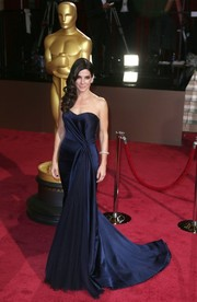 Sandra Bullock looked timeless in a navy silk strapless gown at the 2014 Academy Awards.