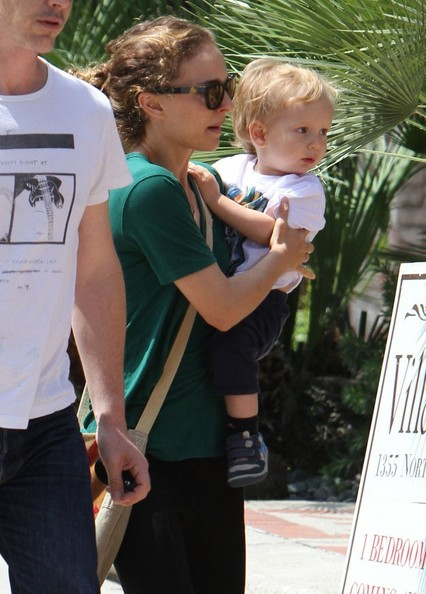 Natalie Portman Takes Her Son to a Friend's House