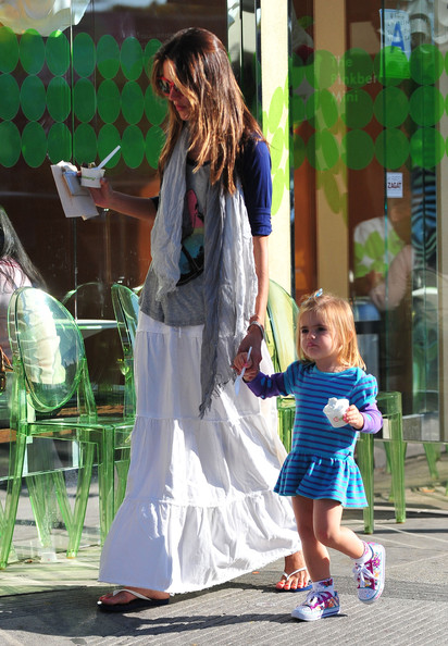More Pics of Alessandra Ambrosio Long Skirt (1 of 20) - Alessandra Ambrosio Lookbook - StyleBistro []
