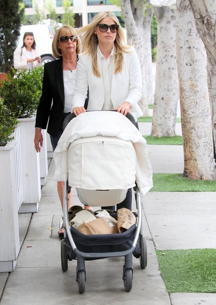 Ali Larter Out For Lunch With Her Baby Girl