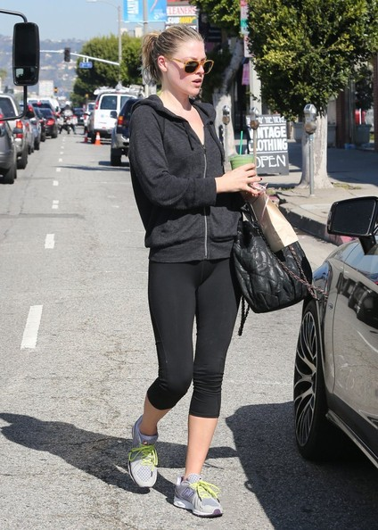 More Pics of Ali Larter Hoodie (1 of 13) - Tops Lookbook - StyleBistro