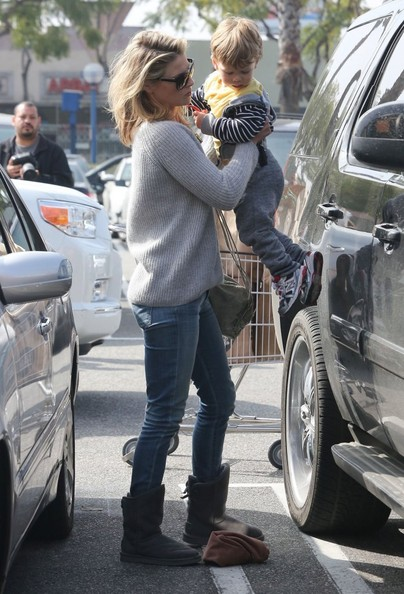 More Pics of Ali Larter Crewneck Sweater (2 of 21) - Ali Larter Lookbook - StyleBistro