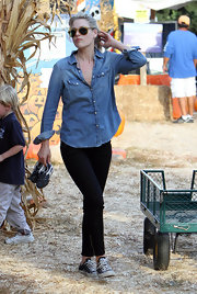 A western-style denim shirt guarunteed Ali Larter was the coolest mom at the pumpkin patch.