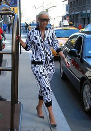 Amber Rose stepped out for an afternoon in NYC wearing a pair of black pumps studded with tiny spikes.
