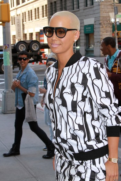More Pics of Amber Rose Pink Nail Polish (2 of 26) - Amber Rose Lookbook - StyleBistro