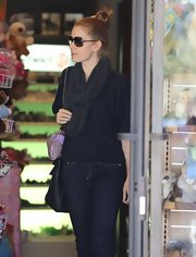 Amy Adams sported a solid gray infinity scarf for a family outing in Beverly Hills.