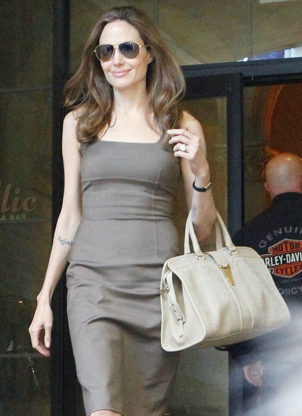 More Pics of Angelina Jolie Engagement Ring (1 of 18) - Wedding Rings Lookbook - StyleBistro
