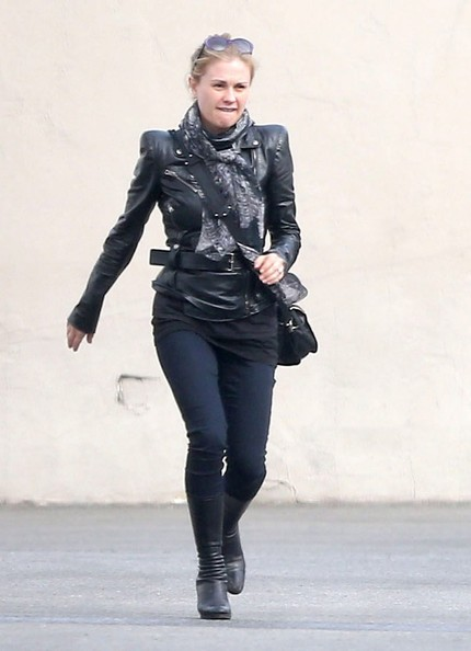 New mom Anna Paquin kept it low key in skinny jeans as she took her twins costume shopping.